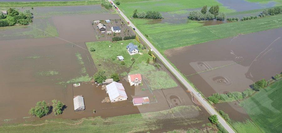 Powiat mielecki - zalane tereny - widok z policyjnego śmigłowca